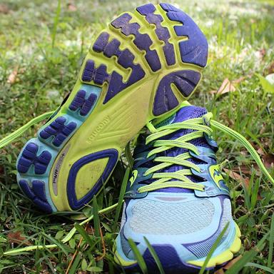 Saucony Zealot ISO 索康尼女式跑鞋$47.99,